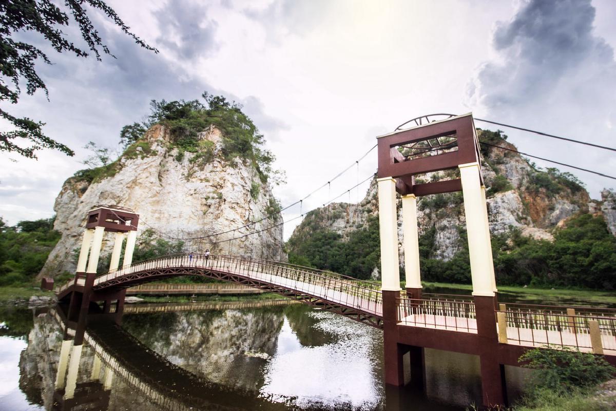 ที่เที่ยวปีใหม่ใกล้กรุงเทพ-อุทยานแห่งชาติหินเขางู