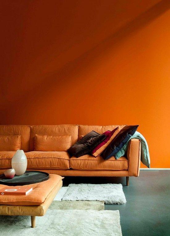 การแต่งห้องนั่งเล่นสไตล์โมเดิร์น แต่งห้องนั่งเล่นสวยๆ สีส้ม