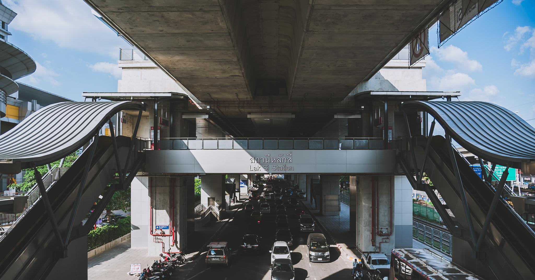 รูปบทความ ปี 65 ได้ใช้แน่ รถไฟฟ้าชานเมืองสายสีแดง เริ่มก่อสร้างสิงหาฯ นี้
