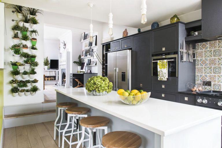 รูปบทความ ไอเดียตกแต่งห้องครัวคอนโดให้เหมือนอยู่ท่ามกลางธรรมชาติ
