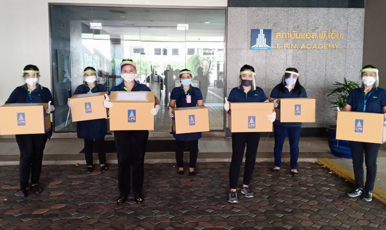 รูป LPN จับมือ LPC ผลิต Face Shield บริจาคโรงพยาบาลที่ขาดแคลน