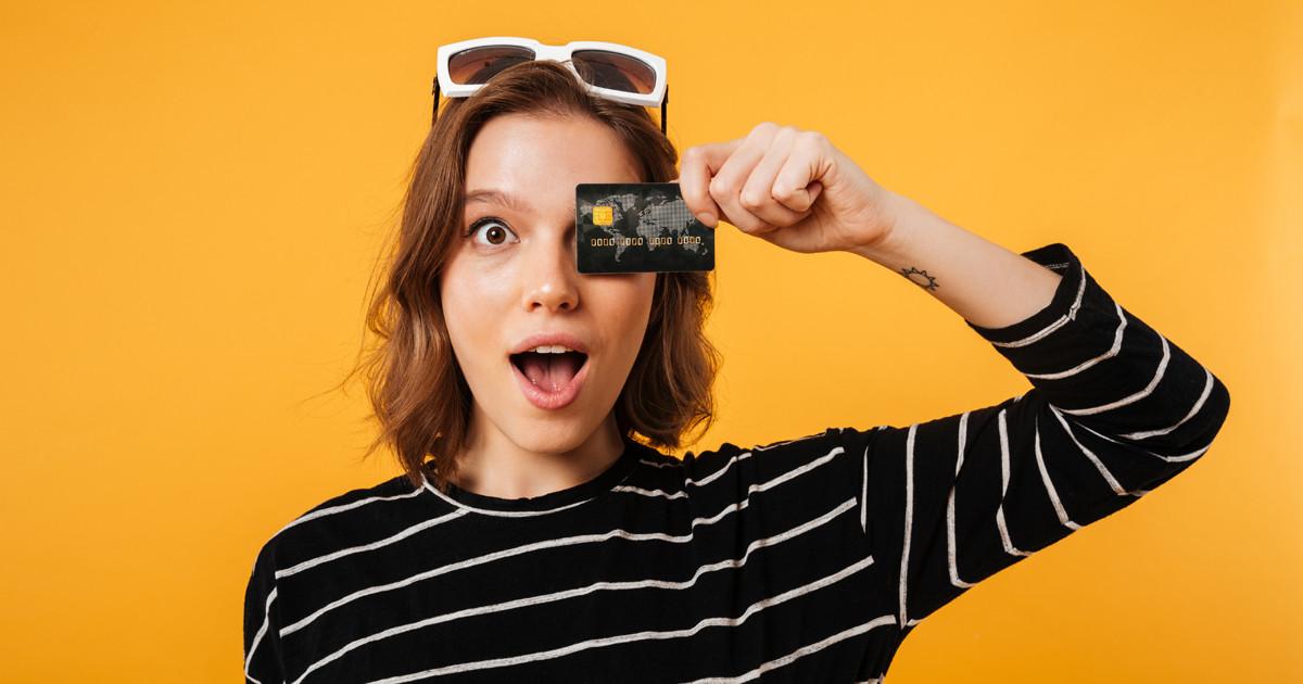 รูป รวมบัตรเครดิต 2564 เด็กจบใหม่เงินเดือน 15,000 ก็สมัครได้