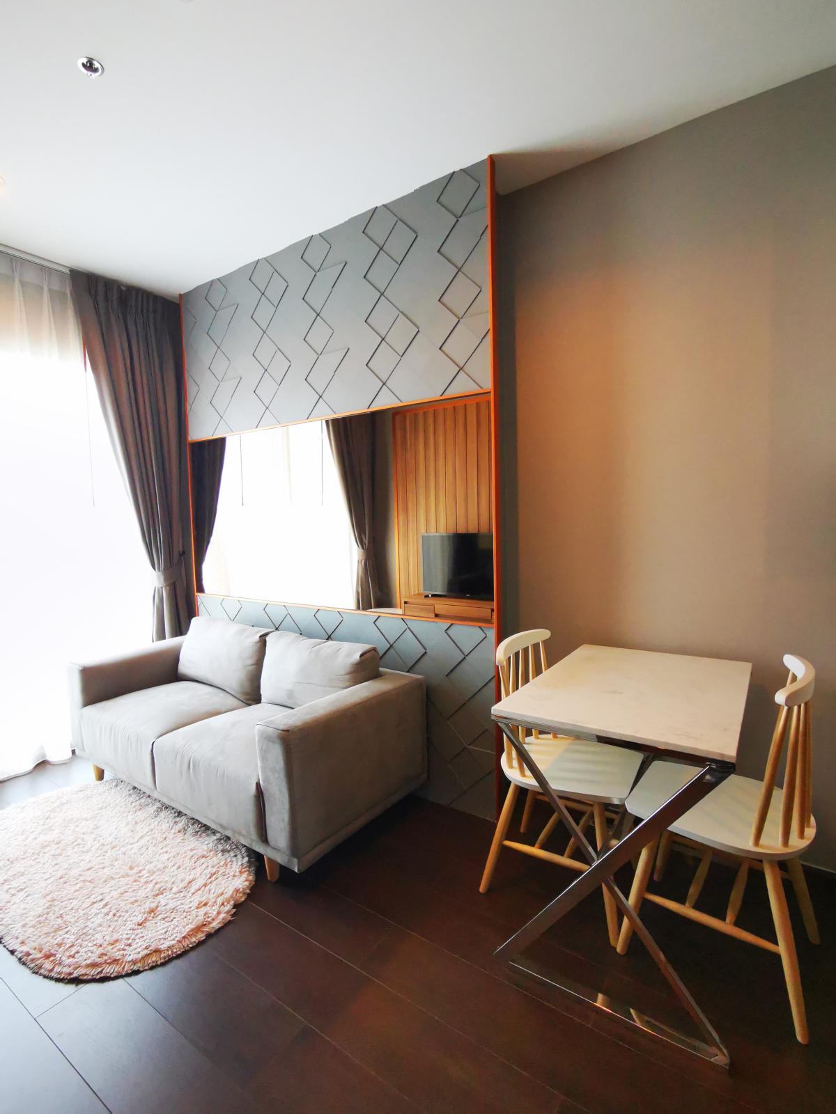 ประกาศ[For rent/ให้เช่า] คอนโด ซี เอกมัย (C Ekkamai) ใกล้ BTS เอกมัย 30 ตร.ม ชั้น 19 1นอน ห้องสวยพร้อมอยู่